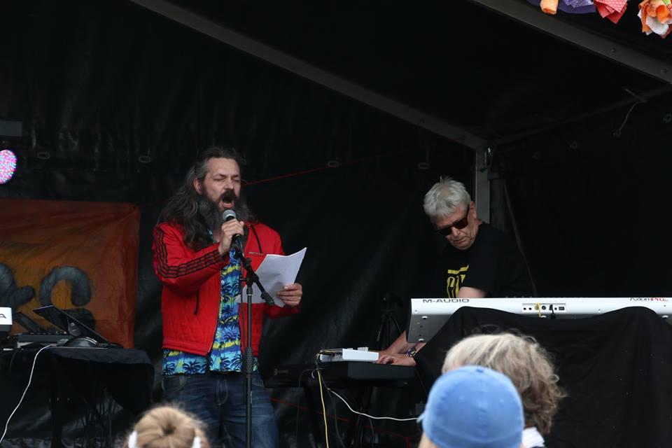 Claus Ankersen + EE 3